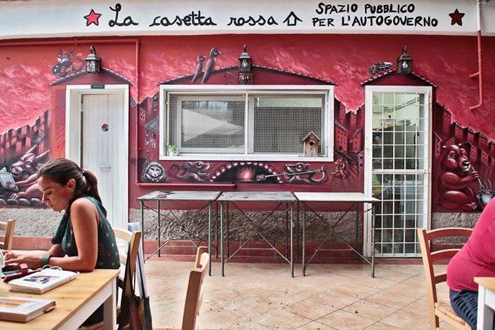 Casetta Rossa Rimane Aperta